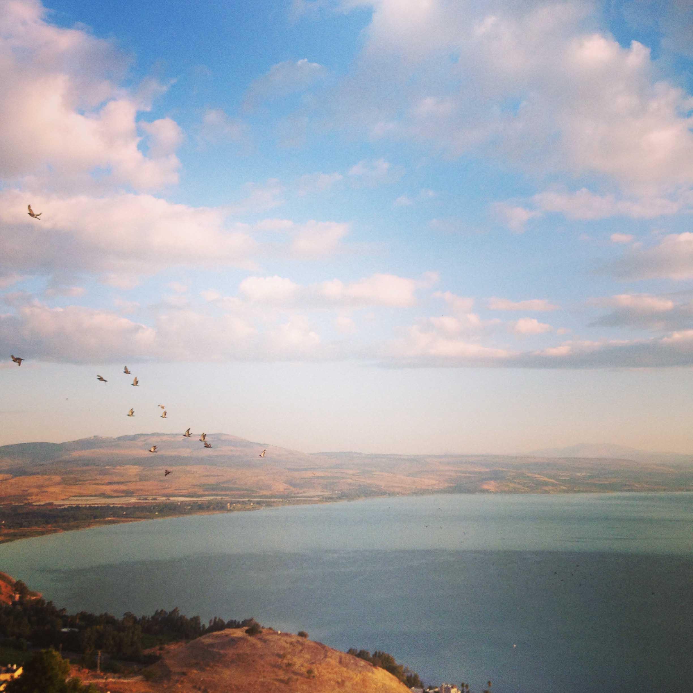 Начало нового дня у Галилейского озера